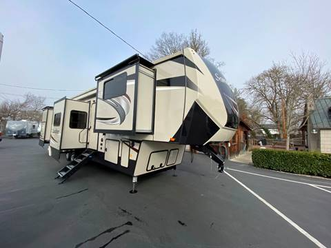 2019 Forest River Sandpiper 38FKOK for sale at Jim Clarks Consignment Country - 5th Wheel Trailers in Grants Pass OR