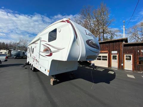 2011 Keystone 266RL for sale at Jim Clarks Consignment Country - 5th Wheel Trailers in Grants Pass OR