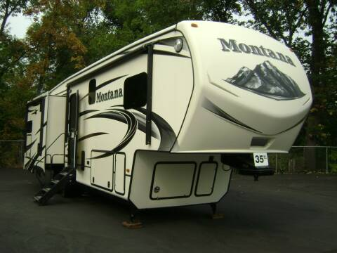 2015 Keystone Montana 3155 / 35ft for sale at Jim Clarks Consignment Country - 5th Wheel Trailers in Grants Pass OR