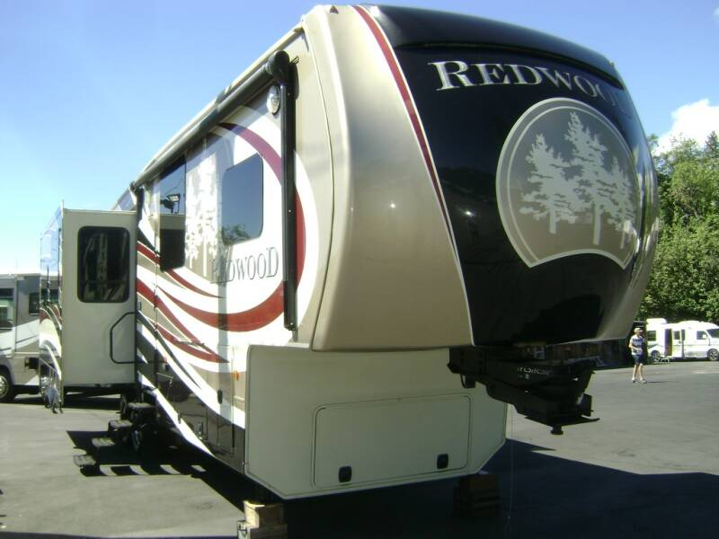 2015 Redwood 31SL / 36ft for sale at Jim Clarks Consignment Country - 5th Wheel Trailers in Grants Pass OR