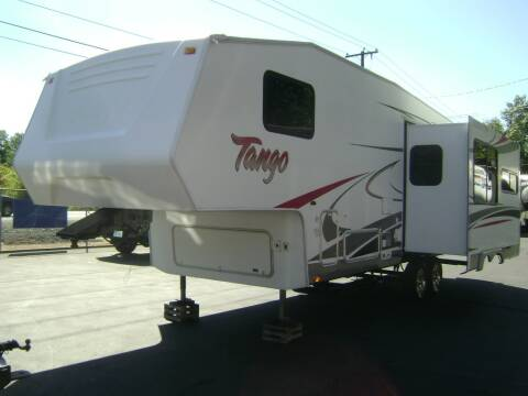 2008 Pacific Coachworks Tango 2760RLSS / 31ft for sale at Jim Clarks Consignment Country - 5th Wheel Trailers in Grants Pass OR