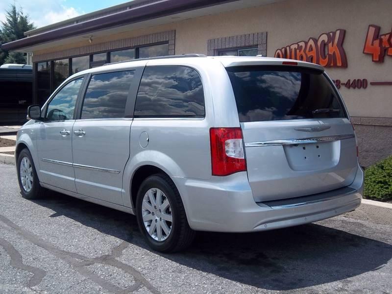 2011 Chrysler Town and Country Touring-L 4dr Mini-Van - Ephrata PA