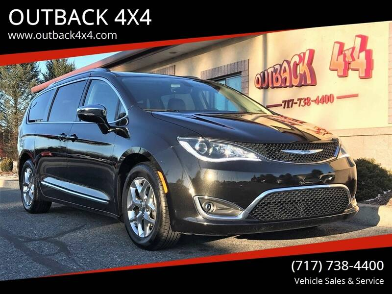 2018 Chrysler Pacifica Limited (image 1)
