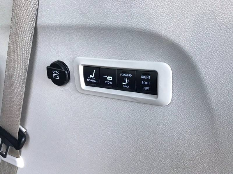 2018 Chrysler Pacifica Limited (image 44)