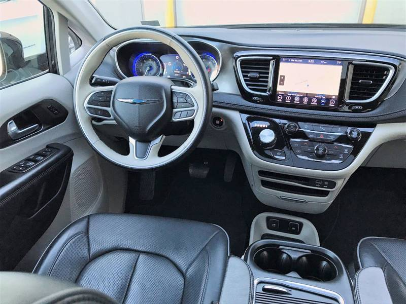 2018 Chrysler Pacifica Limited (image 8)