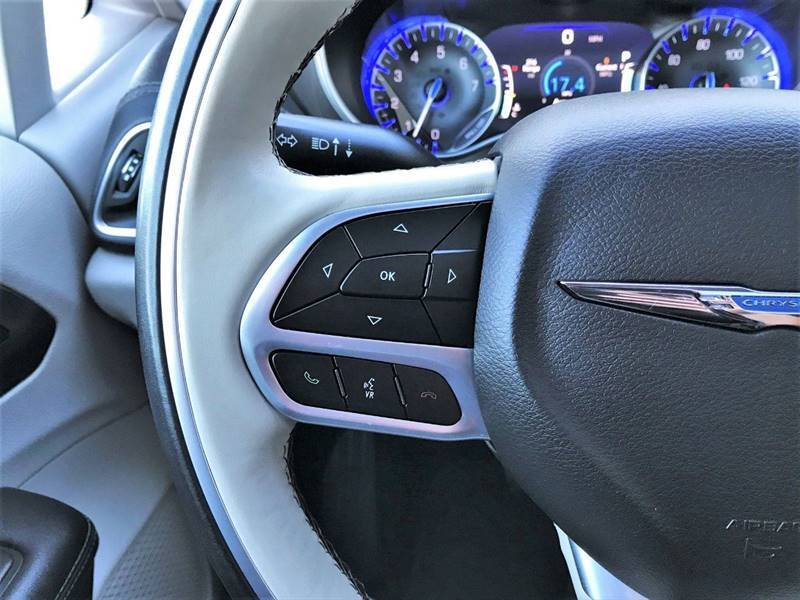 2018 Chrysler Pacifica Limited (image 22)