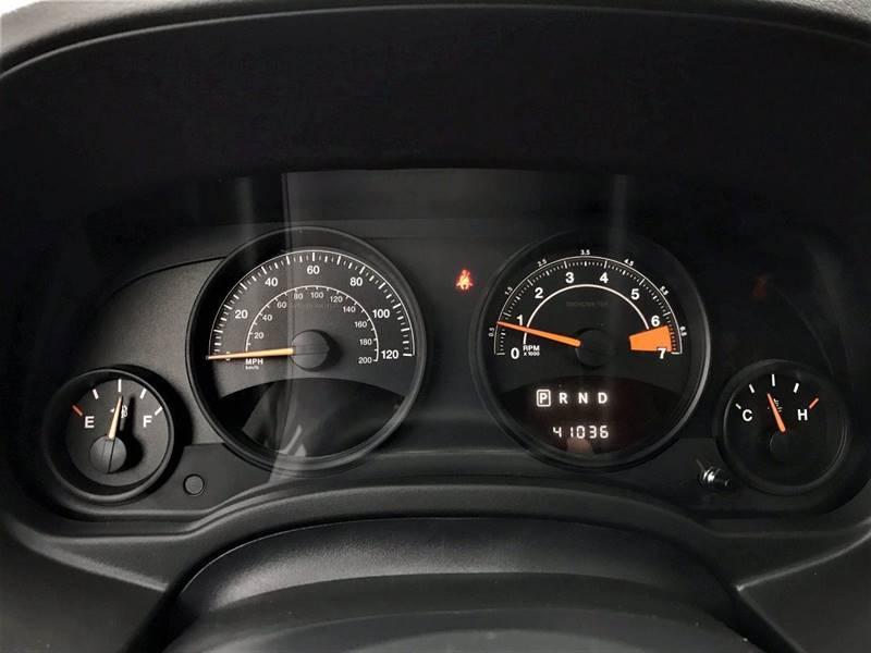 2016 Jeep Compass Sport 75th Anniversary (image 17)
