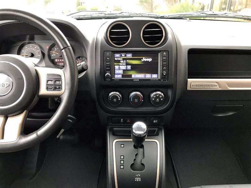 2016 Jeep Compass Sport 75th Anniversary (image 22)
