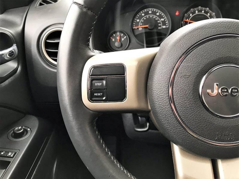 2016 Jeep Compass Sport 75th Anniversary (image 19)