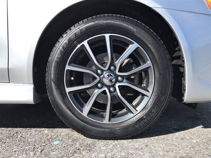 2017 Mitsubishi Lancer ES (image 34)