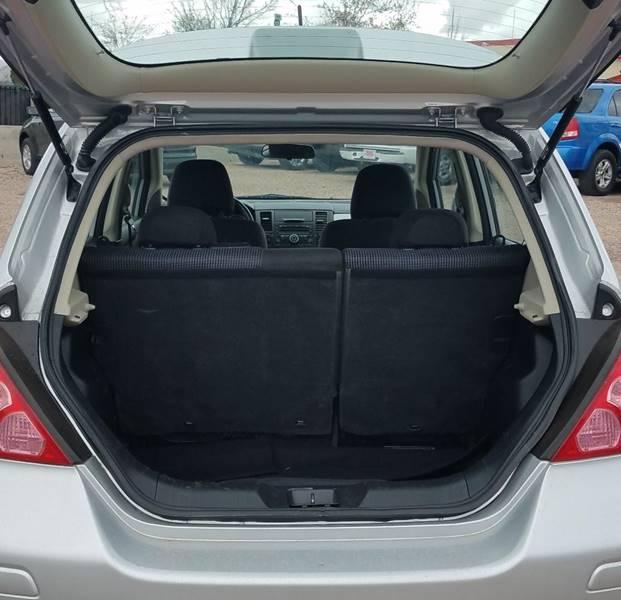 2010 Nissan Versa 1.8 SL 4dr Hatchback - Redmond OR
