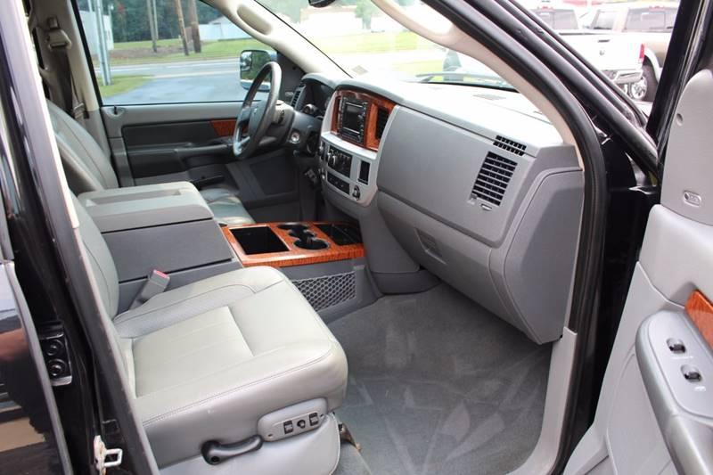 2007 Dodge Ram Pickup 3500 Laramie 4dr Mega Cab 4x4 SB - Wooster OH