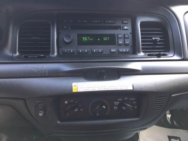 2010 Ford Crown Victoria Police Interceptor 4dr Sedan (3.55 Axle) - Bloomington IN