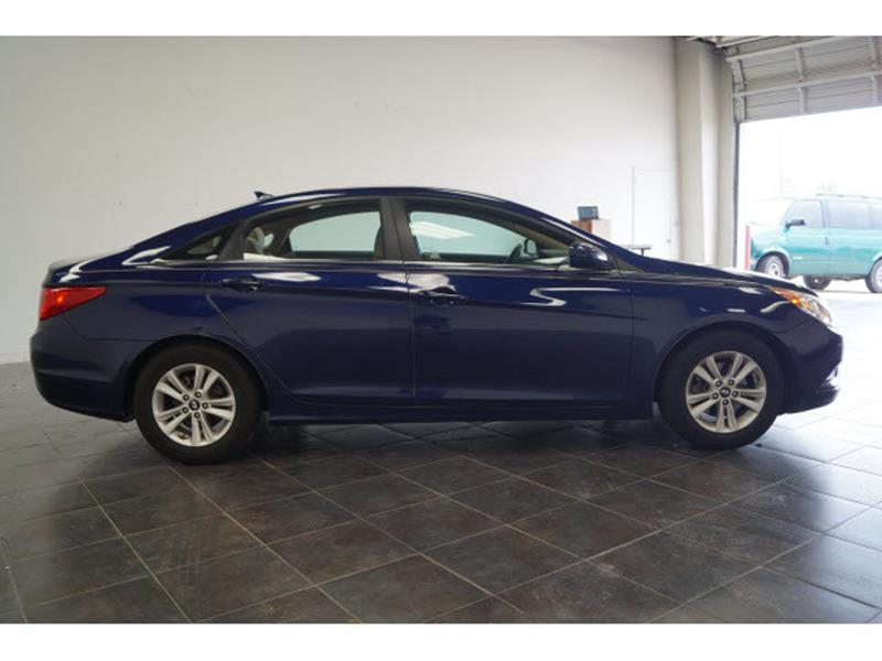 2011 Hyundai Sonata for sale at FREDY'S USED CAR SALES in Houston TX