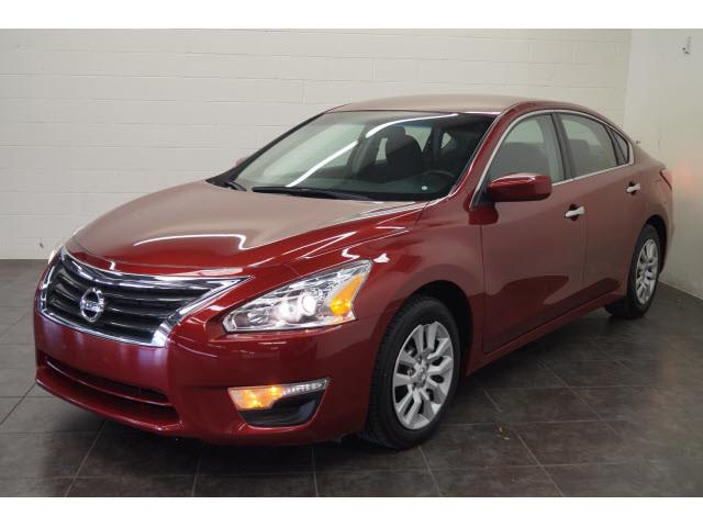 2013 Nissan Altima for sale at FREDY'S USED CAR SALES in Houston TX