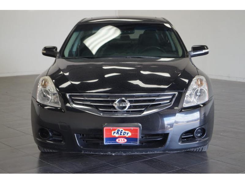 2012 Nissan Altima for sale at FREDY'S USED CAR SALES in Houston TX