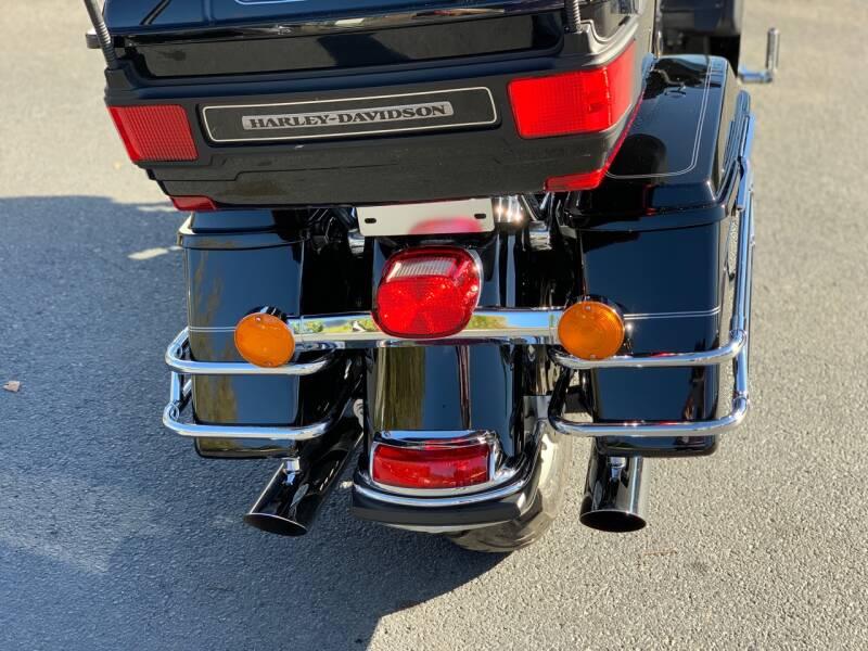 2010 Harley-Davidson UltraClassic FLTCShrine - Uniontown PA