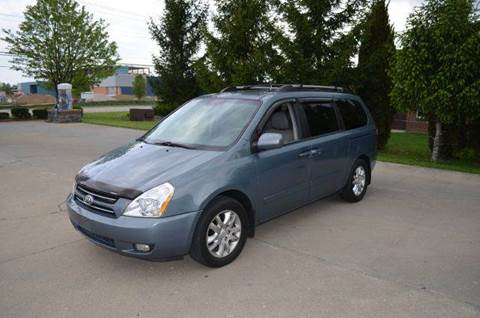 2007 Kia Sedona for sale at West Chester Autos in Hamilton OH