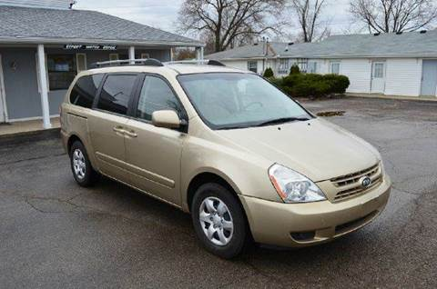 2008 Kia Sedona for sale at West Chester Autos in Hamilton OH