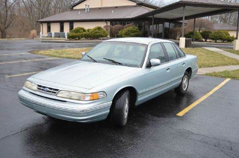 1996 Ford Crown Victoria for sale at West Chester Autos in Hamilton OH