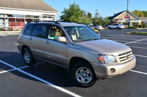 2005 Toyota Highlander for sale at West Chester Autos in Hamilton OH