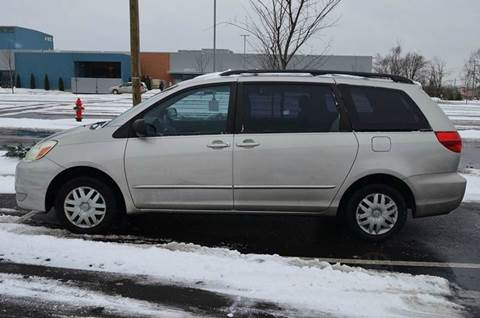 2004 Toyota Sienna for sale at West Chester Autos in Hamilton OH