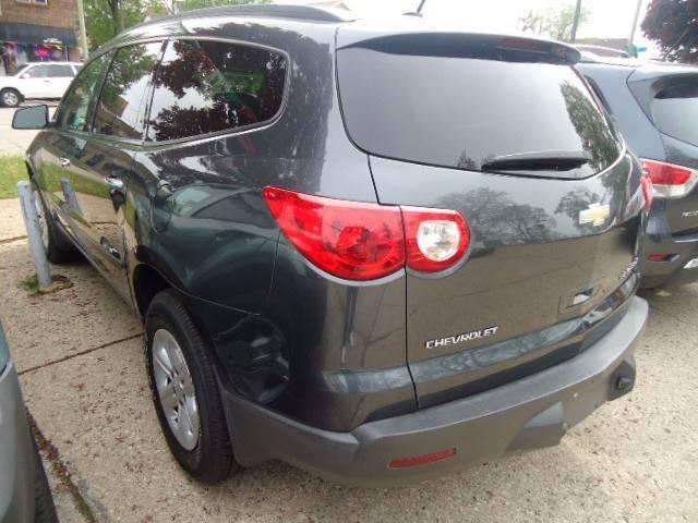 2009 Chevrolet Traverse LS 4dr SUV - Milwaukee WI