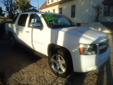 2008 Chevrolet Avalanche for sale in Milwaukee, WI
