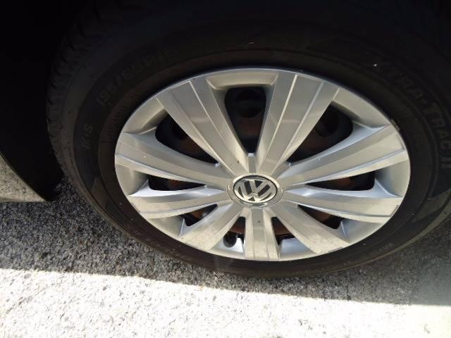2011 Volkswagen Jetta 4dr Sedan 6A - Milwaukee WI