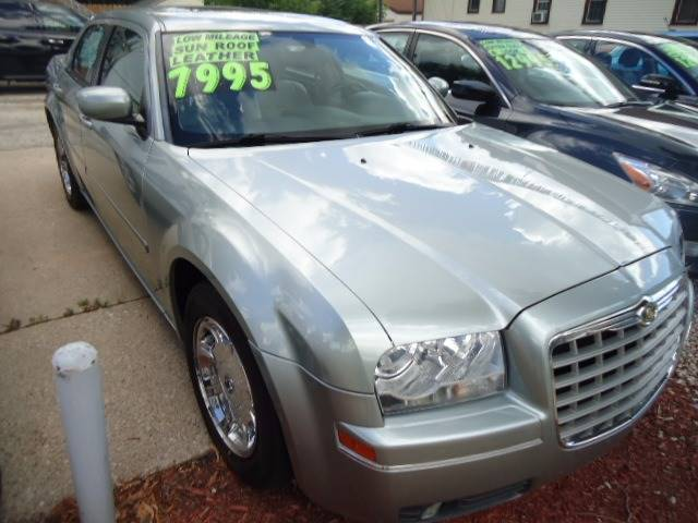 2005 Chrysler 300 Touring 4dr Sedan - Milwaukee WI