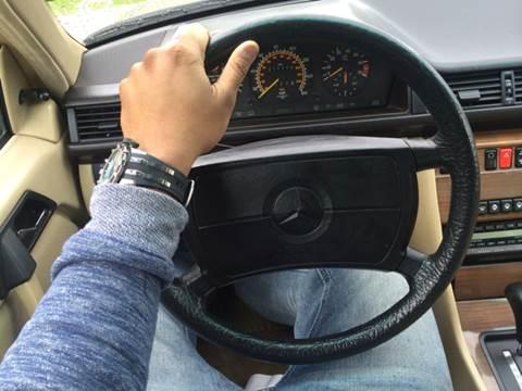 1989 Mercedes-Benz 260-Class