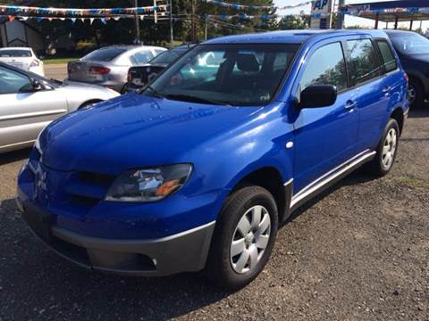 2004 Mitsubishi Outlander for sale at KB Auto Mall LLC in Akron OH