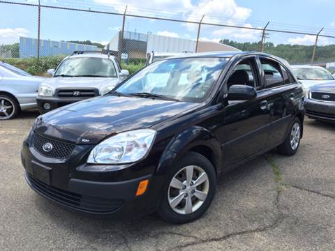 2009 Kia Rio5 for sale at KB Auto Mall LLC in Akron OH