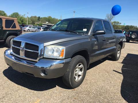 2005 Dodge Dakota for sale at KB Auto Mall LLC in Akron OH