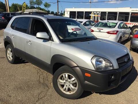 2007 Hyundai Tucson for sale at KB Auto Mall LLC in Akron OH
