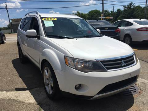 2007 Mitsubishi Outlander for sale at KB Auto Mall LLC in Akron OH