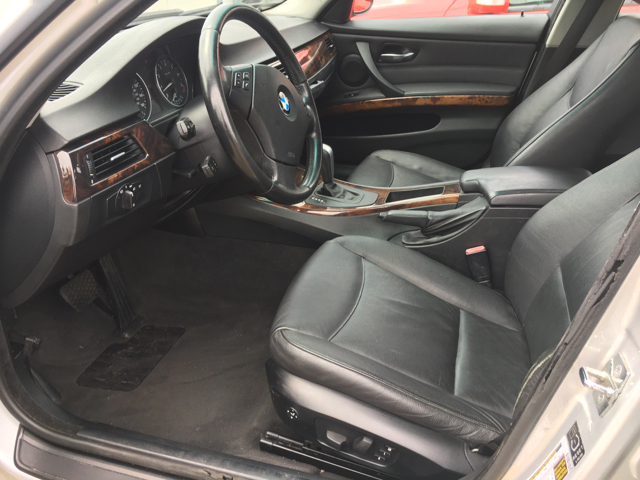 Bmw Series Xi AWD Dr Sedan In Akron OH KB Auto Mall LLC - Bmw 325xi awd