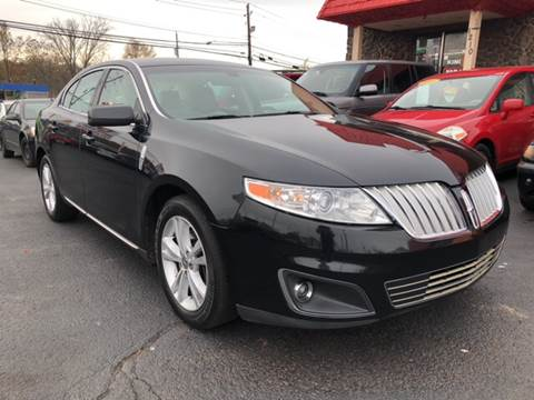 2009 Lincoln MKS for sale at KB Auto Mall LLC in Akron OH
