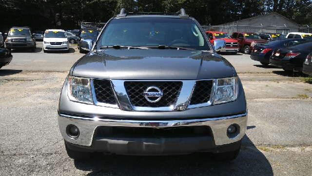 2005 NISSAN FRONTIER SE 4DR CREW CAB 4WD SB gray abs - 4-wheel axle ratio - 369 center console