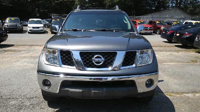 2005 NISSAN FRONTIER SE 4DR CREW CAB 4WD SB gray abs - 4-wheel axle ratio - 369 center console