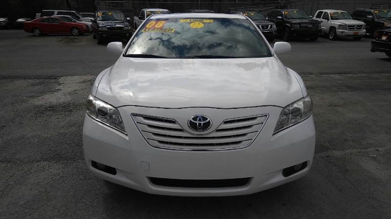 2008 TOYOTA CAMRY XLE 4DR SEDAN 5A white 2-stage unlocking doors air filtration airbag deactiva