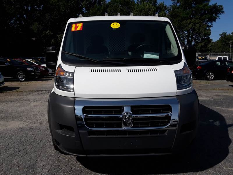 2017 RAM PROMASTER CARGO 1500 136 WB 3DR LOW ROOF CARGO V white body side moldings - black door