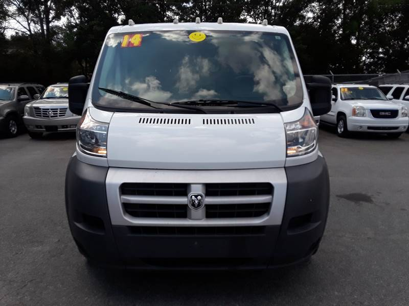 2014 RAM PROMASTER CARGO 1500 136 WB 3DR LOW ROOF CARGO V white body side moldings - black door