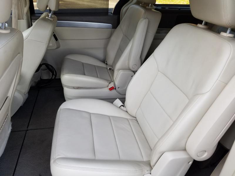2010 Volkswagen Routan SEL - Duluth GA