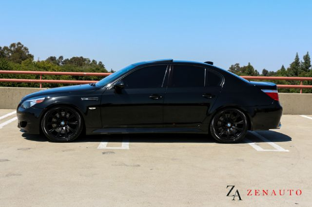 2006 bmw m5 custom blacked out m5 e60 520 hp loaded in. Black Bedroom Furniture Sets. Home Design Ideas