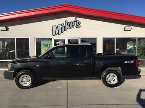 2006 Dodge Dakota for sale at Mike`s Auto Sales in Columbus NE