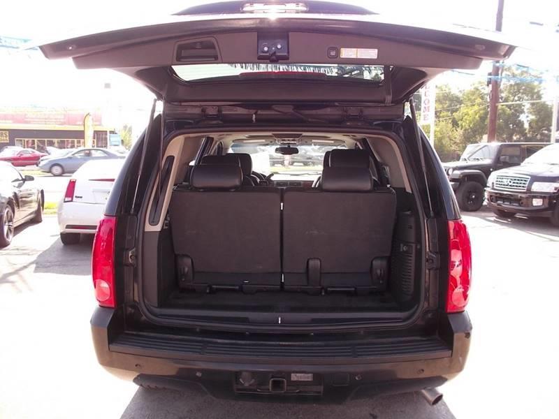 2008 GMC Yukon for sale at Carz Of Texas Auto Sales in San Antonio TX