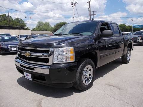 2009 Chevrolet Silverado 1500 for sale at Carz Of Texas Auto Sales in San Antonio TX