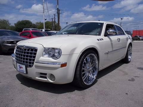 2007 Chrysler 300 for sale at Carz Of Texas Auto Sales in San Antonio TX