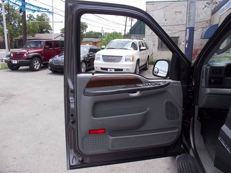 2004 Ford F-250 Super Duty for sale at Carz Of Texas Auto Sales in San Antonio TX